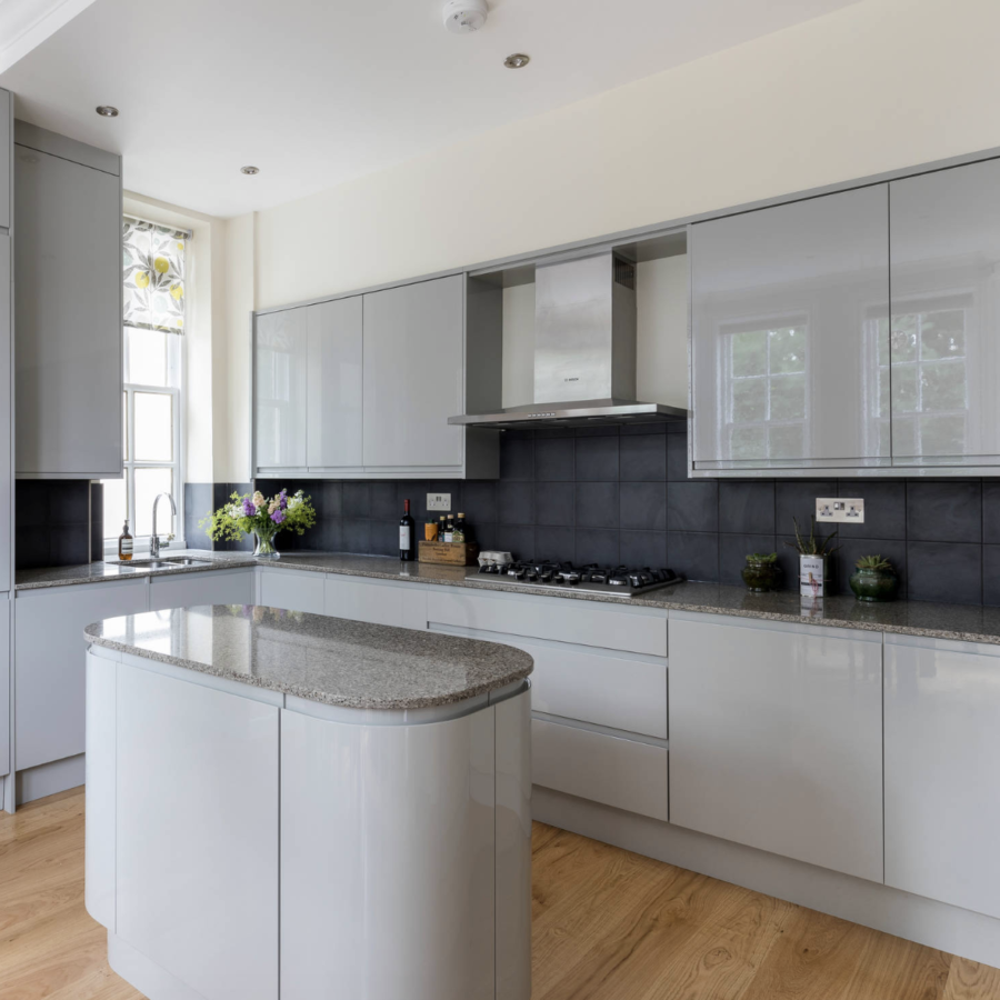 Contemporary kitchen designed and build by Holland Street Kitchens in London.